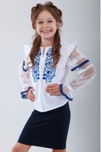 Вышиванка для девочки «Восхитительное мгновение» с голубой вышивкой