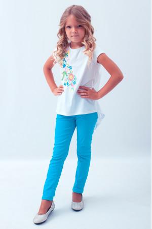 Футболка для дівчинки «Весняна» з синьою вишивкою