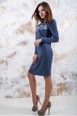 Трикотажное платье «Осенняя палитра» синего цвета