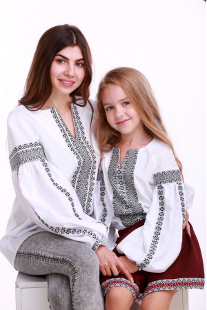 Комплект вишиванок для мами та дочки «Думка» з сірим орнаментом