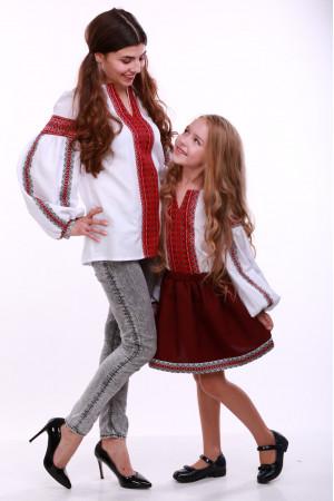 Комплект вышиванок для мамы и дочки «Думка» с красным орнаментом