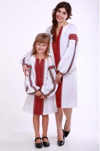 Комплект для мамы и дочки «Думка» с красным орнаментом