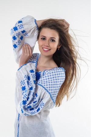 Вышиванка «Звездная ночь» с вышивкой голубого цвета