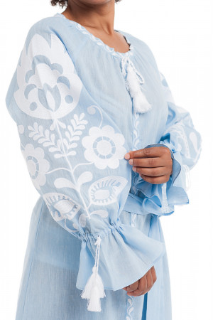 Платье «Ружа» голубого цвета с собранным рукавом