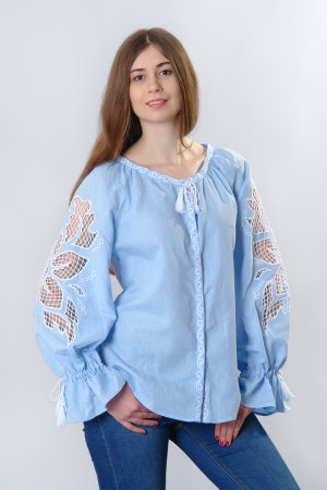 Вышиванка «Чудо-цветок» голубого цвета