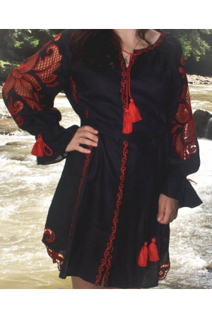 Сукня «Диво-квітка» з вишивкою червоного кольору