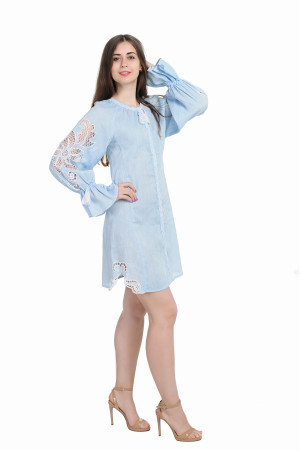 Платье «Чудо-цветок» голубого цвета, короткое