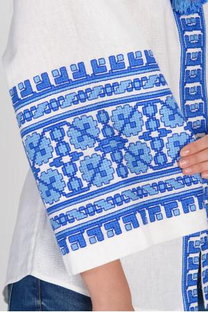 Вишиванка «Квіти Карпат» з синім орнаментом