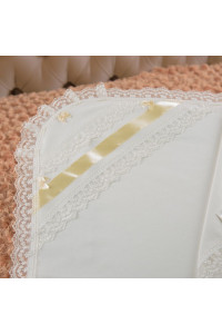 Крижма «Діва Марія» молочного кольору