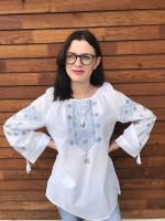 Вышиванка «Стожары» белого цвета с серо-голубой вышивкой