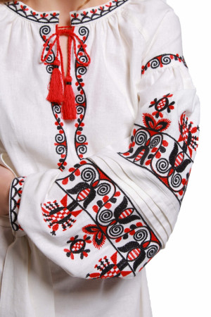 Платье «Берегиня» белого цвета