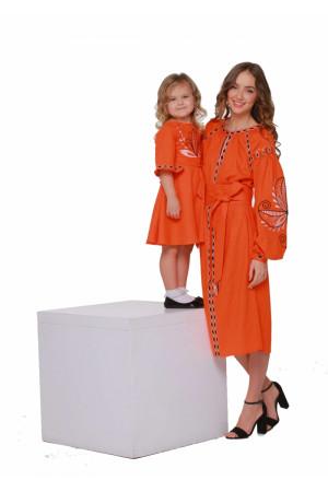 Комплект вышитых платьев для мамы и дочки «Пробуждение»