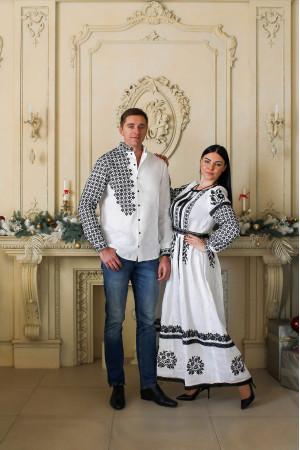 Платье «Свитодара»  белого цвета с черной вышивкой
