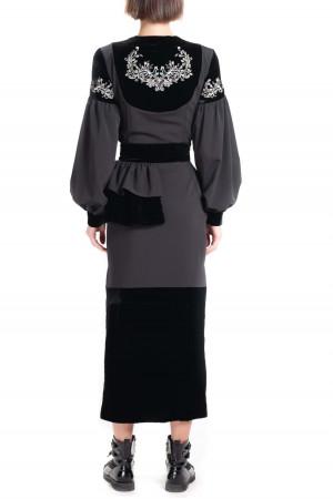 Вишита блуза «Єсенія» чорного кольору