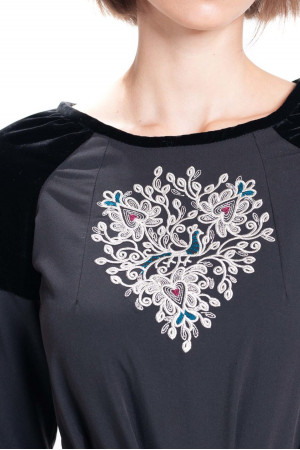 Сукня «Доброслава» чорного кольору
