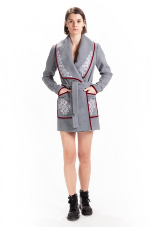 Женское вышитое пальто «Богдана»