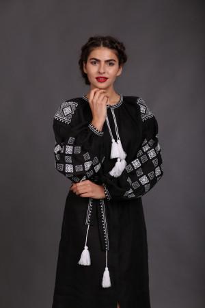 Сукня «Вечірня зоря» чорне з вишивкою білого кольору