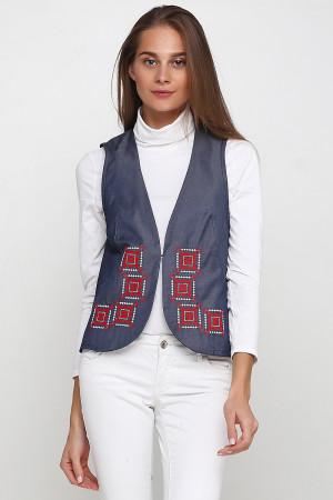 Жилет «Гармония» цвета светлый джинс с бело-красной вышивкой