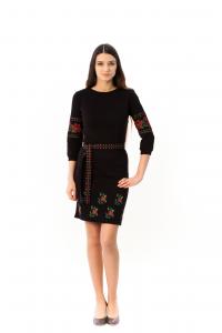 Платье «Валенсия» с вышивкой красного цвета