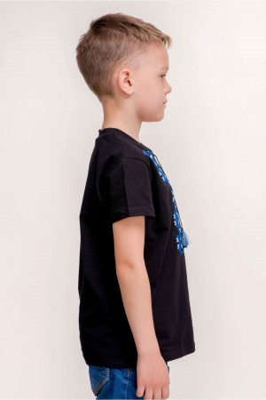 Футболка для хлопчика «Матвій» чорна з синім орнаментом