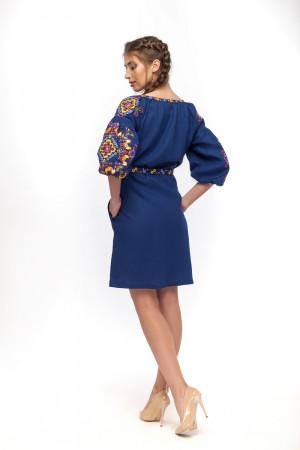 Платье «Яркие петушки» синего цвета
