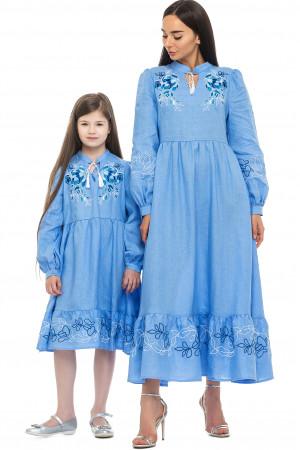 Комплект вишитих суконь для мами та доньки «Піона» блакитного кольору