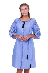 Платье «Иванна» голубого цвета с черно-белой вышивкой