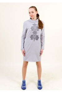 Платье «Гердан» светло-серого цвета с графитовым орнаментом