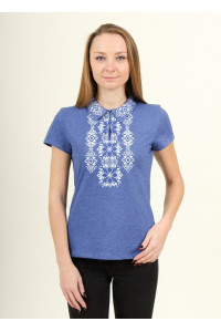 Футболка «Людмила» цвета джинс с бело-синей вышивкой