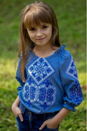 Вишиванка для дівчинки «Говерла» блакитного кольору