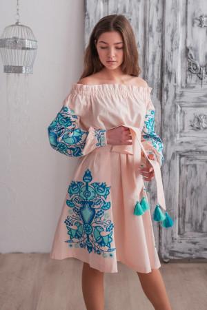 Сукня «Аврора» пудрового кольору з синьою вишивкою