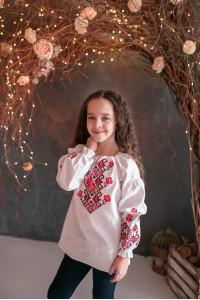 Вишиванка для дівчинки «Марічка» білого кольору з червоною вишивкою