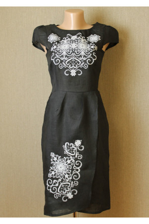 Сукня «Роксолана» чорного кольору – з вишивкою f581f8e885846