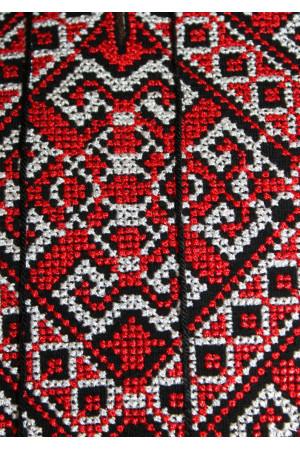 Футболка «Традиція» з червоним орнаментом