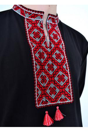 Футболка «Ромбы» с красным орнаментом