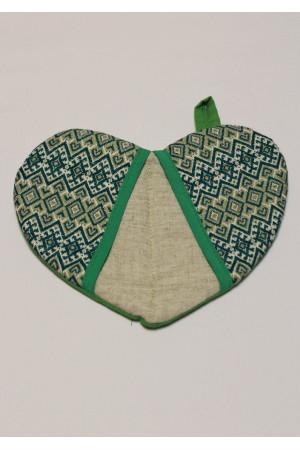 Прихватка «Сердечко» с зеленым орнаментом
