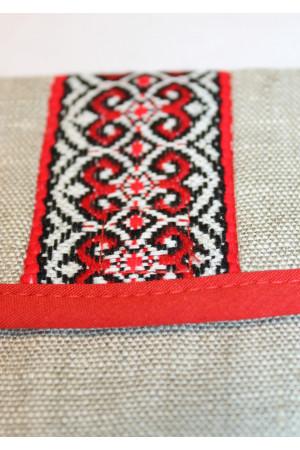 Льняная косметичка с красным орнаментом