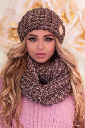 Комплект «Космея» (шапка та шарф-снуд) світло-коричневого кольору з золотом