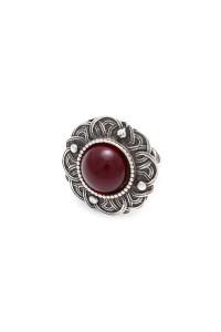 Перстень «Безанта» сріблястого кольору з червоним кабошоном
