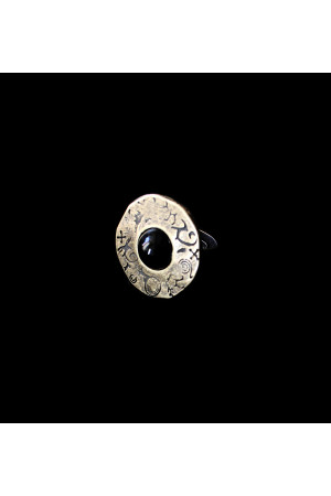 Перстень «Гармонія життя». бронза, чорний кабошон