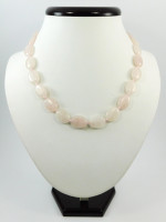 Ожерелье «Овал» из розового кварца