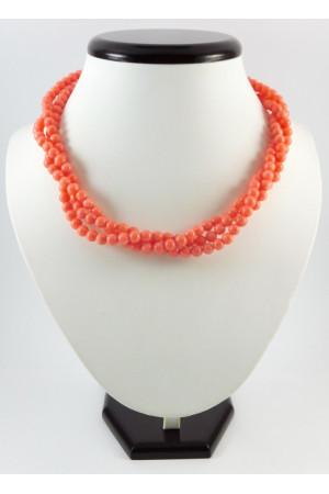 Ожерелье из розовых кораллов