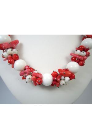 Коралловое ожерелье «Позитив»