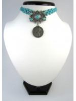 Ожерелье-чокер из бирюзы с дукатом