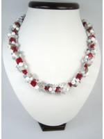 Коралловое ожерелье «Зима»