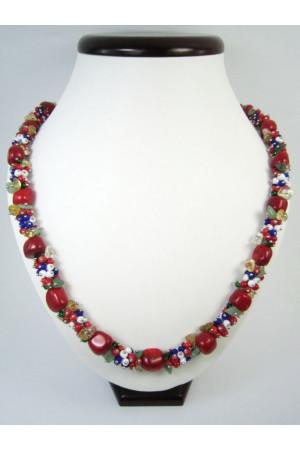 Коралловое ожерелье «Вышиваночка»