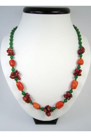 Коралловое ожерелье «Осенние ягоды»