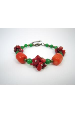 Коралловый браслет «Осенние ягоды»