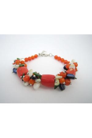 Браслет из кораллов оранжевого цвета
