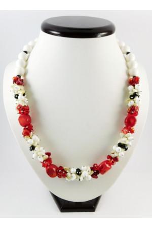 Ожерелье из кораллов «Девушка - весна»